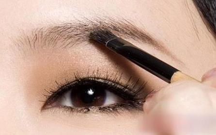 眉笔和眉粉哪个更适合新手?新手小白,这篇好好看看!