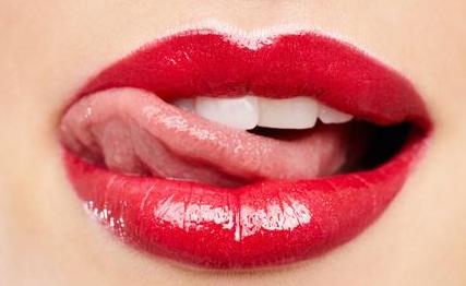 漂唇和纹唇哪个效果更好?爱美的女生,这些你一定要知道!