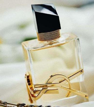 中年女性喷这些香水!优雅气质扑面而来!还在等什么!